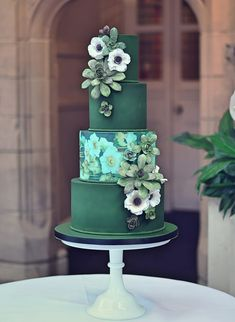 ✔ 25 green wedding cake inspiration with classy design 00017 Black Wedding Cakes, Fall Wedding Cakes, Elegant Wedding Cakes, Elegant Cakes, Beautiful Wedding Cakes, Gorgeous Cakes, Wedding Cake Designs, Pretty Cakes, Green Wedding