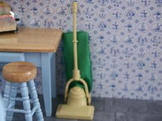 Dolls House miniature hoover. KA252.