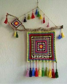 Crochet Wall Art, Crochet Wall Hangings, Tapestry Crochet, Crochet Flower Patterns, Crochet Motif, Crochet Flowers, Crochet Decoration, Crochet Home Decor, Felt Crafts