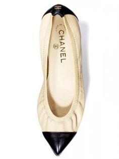 Chanel pointy toe flats