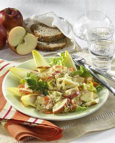 Unser beliebtes Rezept für Apfel-Chicorée-Salat und mehr als 55.000 weitere kostenlose Rezepte auf LECKER.de.