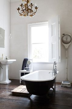 Black and White Glamour - Bathroom Ideas - Tiles, Furniture & Accessories (houseandgarden.co.uk)
