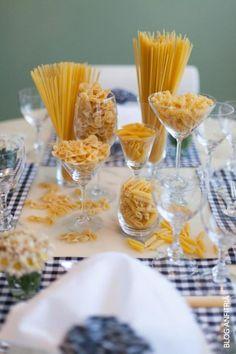 Italian centerpieces italian pasta for the family dinner for Decoracion italiana