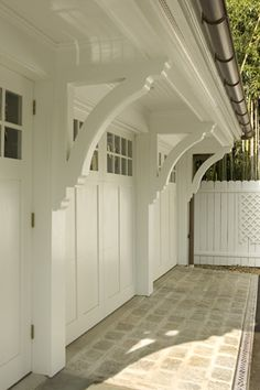 decorative bracket are what I want to use to ease the angles between the short and the tall fences.