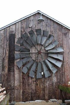 These icons arebecoming a rare when driving across the USA, so if they pull at your heartstrings too, better snap it up when you run across one for sale. Their sculptural beauty can be used to set a new scene in your home or garden. Here are several examples of repurposed windmills. The windmill…