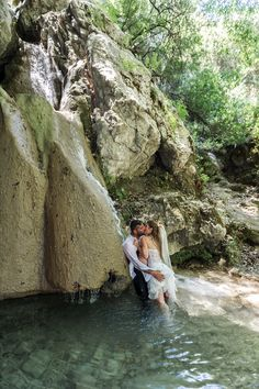 Lively couple & lovely wedding photos Waterfalls Nidri #Lefkas #Ionian #Greece #wedding #weddingdestination Eikona Lefkada Stavraka Kritikos