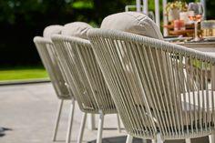 De Nappa tuinstoel van SUNS heeft een mooie combinatie van aluminium en rope. Het rope is gevlochten in een fishbone patroon wat zorgt voor een chique uitstraling.