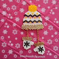 Let it snow ❄❄❄ ... Thank you for the pattern ➡@rose_moustache #miyuki #miyukikolye #kolye #bros #broş #snow #snowflake #bonnet #mittens #hediye #gift #handmade #handmadeaccessories #accessories #newyear #taki #takı #instalife #like4like #englishhome