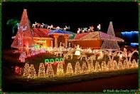 Beautiful Christmas Lights On Houses Christmas Lights Images, Christmas House Lights, Christmas Light Displays, Christmas Town, Christmas Decorations For The Home, Xmas Lights, Holiday Lights, White Christmas, Christmas Meme