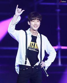 Jinyoung Jung Joon Young, Jin Young, B1a4 Jinyoung, Kpop Groups, Korea, Singer, Actors, My Love, Concert