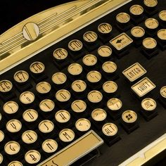 art deco keyboard on 1930s typewriter
