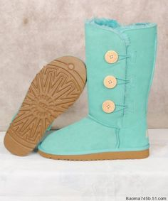 Light Blue Ugg Boots     I try to stay away from Uggs, but I love the color