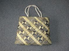 kete - made of flax by Maori women