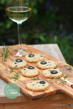 Recept voor kaaskoekjes van Beemsterkaas met rozemarijn en zwarte olijven