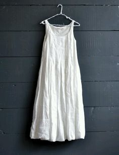 Cabbages and Roses, Linen Carly Bubble Dress. Tucked bodice, handkerchief linen lined with cotton, gentle bubble hem. White Linen Dresses, Cotton Dresses, White Dress, Daytime Dresses, Casual Dresses, Summer Dresses, Mein Style, Types Of Sleeves, Add Sleeves