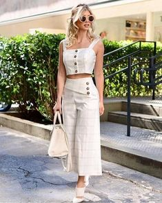 Fashion Pants, Girl Fashion, Fashion Dresses, Edgy Style, Chic Outfits, Trending Outfits, Ideias Fashion, The Dress, Clothes For Women