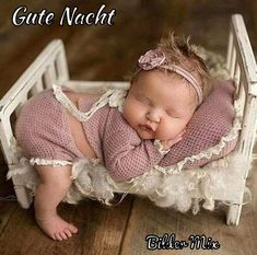 Tiny Bed, delightful, and the matching pillow. So Cute Baby, Baby Girl Pictures, Cute Baby Pictures, Newborn Pictures, Cute Kids, Newborn Photography Poses, Newborn Baby Photography, Funny Photography, Funny Babies