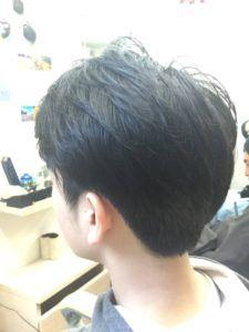ツーブロック後ろのおすすめの形は 後ろ姿だけの髪型97選 後ろの頼み方は かぶせると刈り上げの違いを現役理容師が解説 サロンセブン 髪型 男子 ヘアスタイル 髪型 男の子