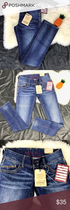 "Hilfiger Denim Alabama Sonora Jeans Tommy Hilfiger Denim Sonora Alabama Stretch Jeans Slim, straight leg  Brand new with tags! Women's size 28"" x 34""  Low rise: 7"" Front / 11"" Back Leg opening: 12"" B7 Tommy Hilfiger Jeans Straight Leg"