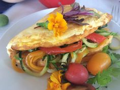 Vegetable Omelette   Lynne's Recipe Trails Omelette Recipe, Veggie Omelette, Colorful Vegetables, Veggies, Large Plates, Roasted Tomatoes, Cooking Time, Bacon, Dinner