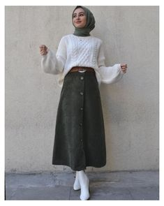 Modest Outfits Muslim, Modest Winter Outfits, Skirt Outfits Modest, Modest Fashion Hijab, Modern Hijab Fashion, Street Hijab Fashion, Hijab Casual, Style Outfits, Muslim Fashion