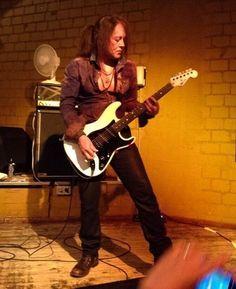 Jake E Lee, Best Guitarist, Tina Turner, Guitar Players, Heavy Metal Bands, Electric Guitars, Rock N, Rock Stars, Rock Bands