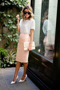 Comment on peut porter la jupe crayon?Est – ce qu'elle va à tout le monde?Et surtout, qui sont les combinaisons modernes et confortables de ce type de jupe?