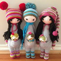 Love these cute crochet pajama girl dolls! One piece pajama: kangaroo body…