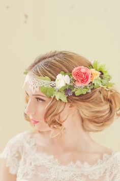 Fresh floral wedding crown.