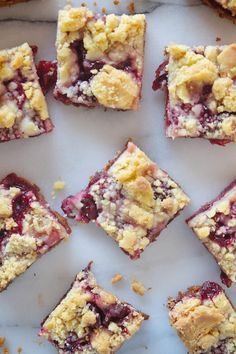Cherry Pie Crumble Bars - Shutterbean - picture for you Cherry Pie Crumble, Cherry Pie Bars, Cherry Tart, Sour Cherry, Cherry Bread, Cherry Pies, Apple Pie Bars, Cherry Desserts, Köstliche Desserts