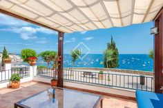 697 ads of luxury villas for sale in the autonomous community of Catalonia: on LuxuryEstate you will find thousands of ads selected by the best real estate agencies in the luxury sector in Spain. Real Estate Agency, Luxury Villa, Pergola, Spain, Community, Outdoor Structures, Outdoor Decor, Home Decor, Luxury Condo