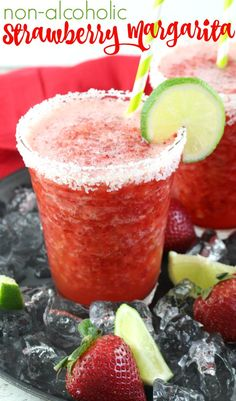 Non-Alcoholic Frozen Strawberry Margarita Need a tasty drink idea, perfect for everyone for your next fiesta? These virgin frozen strawberry margaritas are sure to hit the spot! I could totally use one rig… Non Alcoholic Margarita, Non Alcoholic Cocktails, Virgin Margarita, Virgin Cocktails, Margarita Mocktail Recipe, Summer Cocktails, Virgin Party Drinks, Virgin Summer Drinks, Vitamins