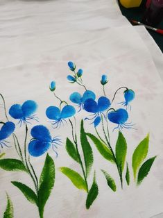Fabric Painting, Tapestry, Flowers, Decor, Fabric Handbags, Painting On Fabric, Hanging Tapestry, Decorating, Dekoration