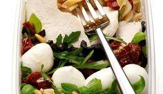 Geflügelsalat mit Mozzarella