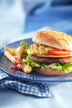 Salmon Burgers, Hamburger, Koti, Salad, Chicken, Ethnic Recipes, Box Lunches, Salads, Burgers