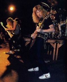 Metallica 1982 live with Dave Mustaine & Ron Mcgovney Metallica Concert, Metallica Art, Ron Mcgovney, Dave Mustaine, James Hetfield, Heavy Metal Bands, Band Photos, Thrash Metal, Music Photo