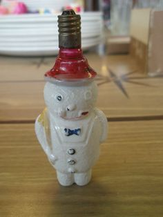 Vtg FIGURAL CHRISTMAS LIGHT BULB Milkglass SNOWMAN with BOW TIE #1 Tested WORKS