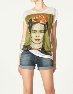 Frida Kahlo t-shirt by Zara Diego Rivera, Art Teacher Outfits, Art Teacher Clothes, Teacher Wardrobe, Frida Kahlo T Shirt, Zara Official Website, Dress Me Up, Casual Outfits, Casual Clothes