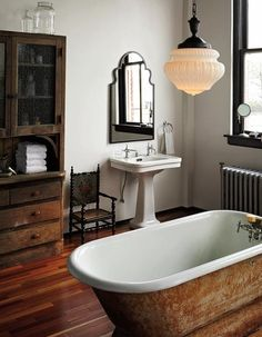 Bathroom decor for your bathroom remodel. Discover master bathroom organization, master bathroom decor ideas, master bathroom tile a few ideas, bathroom paint colors, and more. House Design, House, Interior, Home, Vintage Bathroom, House Interior, Bathroom Interior, Bathrooms Remodel, Bathroom Decor