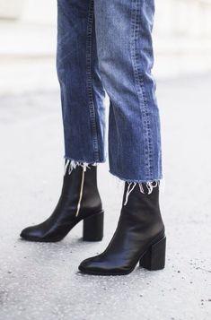 black womens booties and ankle boots Estilo Fashion, Look Fashion, Ideias Fashion, Winter Fashion, Fashion Tips For Women, Womens Fashion, Fashion Trends, Fashion Guide, Petite Fashion