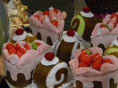 Felt Cupcakes and Candies #felt #sew #crafts