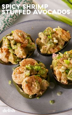 Spicy Shrimp Stuffed Avocados Make Lunch Exciting - Healthy Meals - Garnelen Shrimp Recipes, Fish Recipes, Low Carb Recipes, Cooking Recipes, Healthy Recipes, Shrimp Appetizers, Shrimp Dishes, Healthy Meals, Healthy Breakfasts