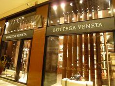 Galleria Cavour, Bologna Italia (Marzo)