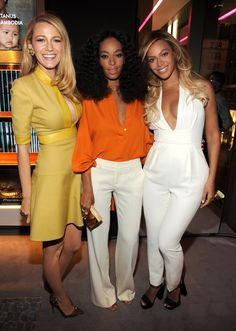 Blake Lively Catches Up with Beyonce at Gucci's Chime for Change Event in NYC!: Photo Blake Lively shows a peek of cleavage while stepping out for Gucci's Chime for Change event held at Gucci Fifth Avenue on Tuesday evening (June in New York City. Solange Knowles, Tina Knowles, Blake Lively, Vanity Fair, Beyonce And Jay Z, Miroslava Duma, Classy Outfits, Runway Fashion, Women's Fashion