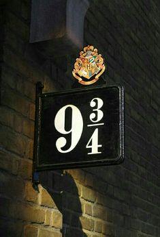 Magical Making of Harry Potter at Warner Bros. Studio Tour London - The Making of Harry Potter - Platform 9 . Studio Tour London - The Making of Harry Potter - Platform 9 . Harry Potter Tumblr, Images Harry Potter, Estilo Harry Potter, Harry Potter Quotes, Making Of Harry Potter, Theme Harry Potter, Harry Potter Studios, Harry Potter Films, Harry Potter Fandom