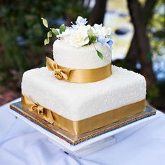 Elegant Ribbon-Wrapped Wedding Cake