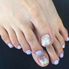 Blue Pedicure with Accent Nail for Wedding Pedicure Idea for Brides