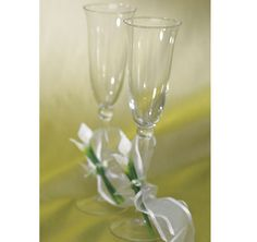 Personalized Bridal Beauty Calla Lily Toasting Flutes - Bridal Beauty Calla Lily Wedding Collection - Outdoor Wedding - Wedding Themes - My Wedding Wedding Toasting Glasses, Wedding Champagne Flutes, Toasting Flutes, Champagne Glasses, Calla Lillies Wedding, Calla Lily Flowers, Calla Lilies, Classic Wedding Flowers, Wedding Cake Accessories