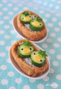 かっぱ稲荷。☆Inarizushi with kappa made with cucumber. ☆★☆Kappa is a mischievous water sprite in Japanese folklore. Cute Food, Good Food, Yummy Food, Bento Recipes, Baby Food Recipes, Kreative Snacks, Cute Bento, Kawaii Bento, Sushi Art