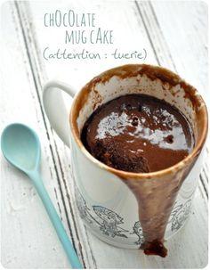 Chocolate mug cake: Gâteau au chocolat cuit dans une tasse, prêt en 5 minutes !